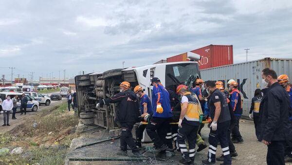 Bursa'da servis aracı kaza yaptı - Sputnik Türkiye