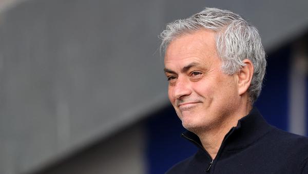Roma'nın yeni teknik direktörü Mourinho oldu  - Sputnik Türkiye