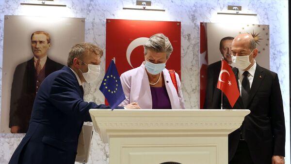 İçişleri Bakanı Süleyman Soylu, Avrupa Birliği (AB) İçişleri KomiseriYlva Johanssonile görüştü. - Sputnik Türkiye