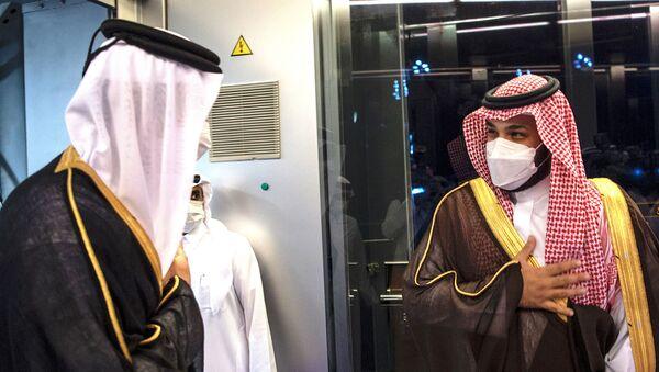 Katar Emiri Şeyh Temim bin Hamed Al Sani ileVeliaht Prens Muhammed bin Selman - Sputnik Türkiye