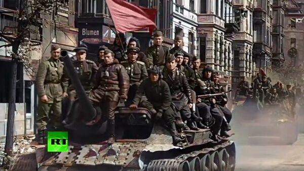 RT, 2. Dünya Savaşı döneminde yapılan çekimleri renklendirdi - Sputnik Türkiye