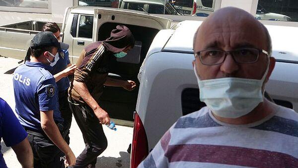 Otelinden hırsızlık yapanı sokakta yakalayıp, polise teslim etti - Sputnik Türkiye
