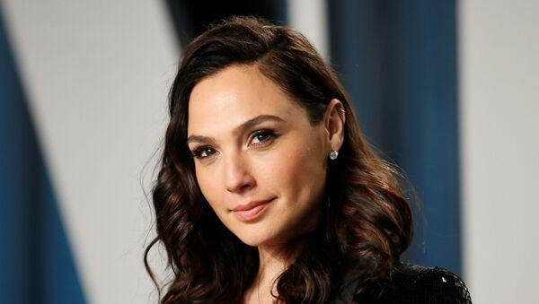 'Wonder Woman' Gal Gadot, 2020'de Vanity Fair'in Oscar partisinde - Sputnik Türkiye