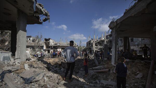 BM: İsrail'in Gazze'deki hava saldırıları sonucu sivil mülkler büyük hasar gördü, 200'den fazla konut yıkıldı - Sputnik Türkiye
