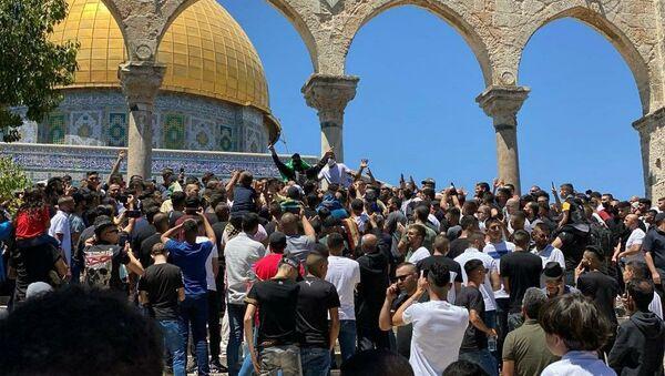 Mescid-i Aksa'da Cuma namazına 20 bin Filistinli katıldı - Sputnik Türkiye