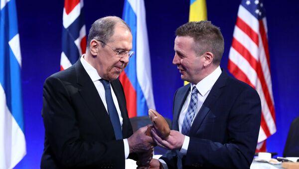 Rusya Dışişleri Bakanı Sergey Lavrov, Arktik Konsey Bakanlar Toplantısı için gittiği İzlanda'nın Reykjavik kentinde ev sahibi mevkidaşı Gudlaugur Thordarson'la görüştü. - Sputnik Türkiye