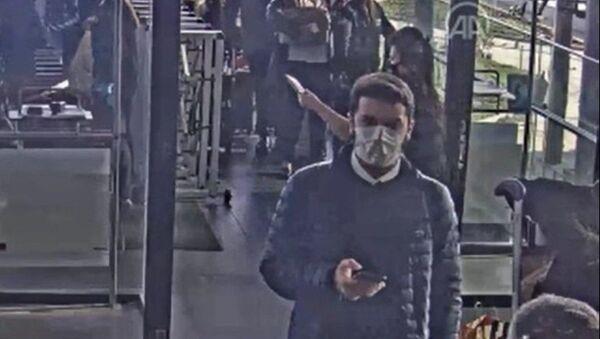 Faruk Fatih Özer'in yurt dışına kaçışına ilişkin yeni bilgi ve görüntüler ortaya çıktı. - Sputnik Türkiye