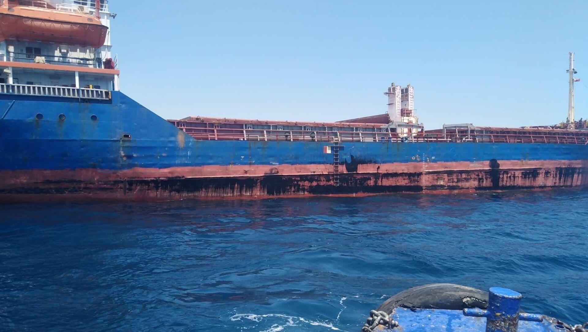 Antalya Büyükşehir Belediyesi deniz kirliliğine neden olan bir gemiye 1 milyon 566 bin 864 TL para cezası uyguladı. - Sputnik Türkiye, 1920, 23.05.2021