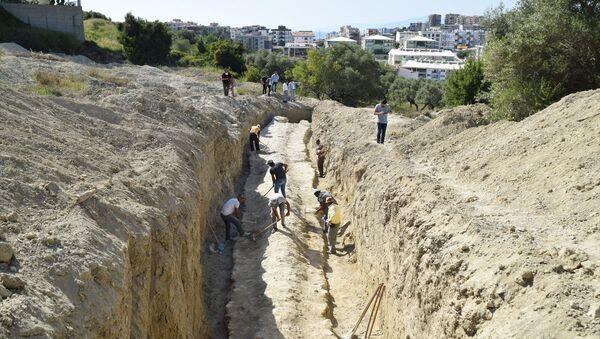 Kuşadası'nda 2 bin yıllık antik su kanalı bulundu - Sputnik Türkiye