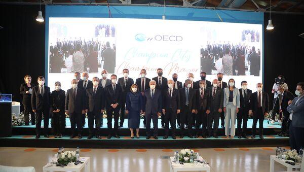 Fatma Şahin, OECD Şampiyon Belediye Başkanları arasına Türkiye'den katılan ilk başkan oldu - Sputnik Türkiye