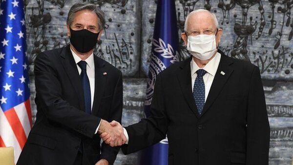 ABD Dışişleri Bakanı Antony Blinken Kudüs'te İsrail Cumhurbaşkanı Reuven Rivlin ile görüşürken - Sputnik Türkiye