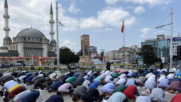 Temeli dört yıl önce atılan Taksim Camii açılışı - Sputnik Türkiye