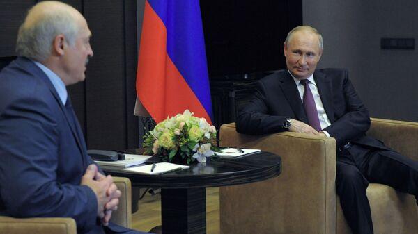 Vladimir Putin-Lukaşenko - Sputnik Türkiye