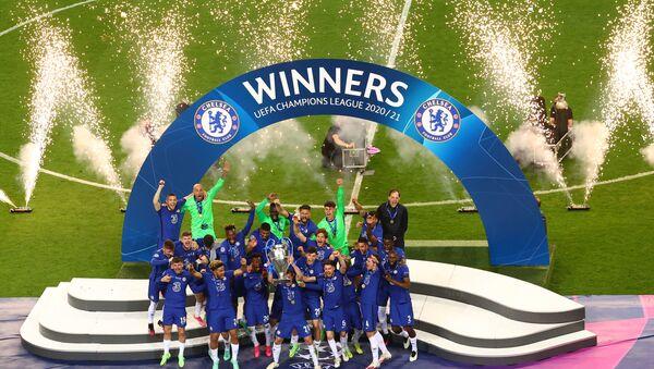 Portekiz'de oynanan final maçında Manchester City'yi 1-0 yenen Chelsea, 2021 UEFA Şampiyonlar Ligi Şampiyonu oldu. İngiliz ekibi tarihinde ikinci kez Avrupa'nın kulüpler düzeyindeki en büyük kupasını kaldırdı. - Sputnik Türkiye