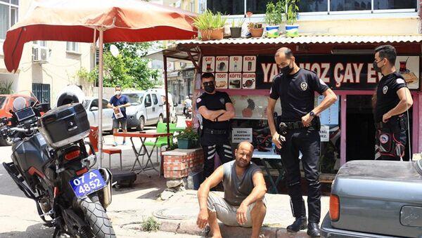 Antalya'da yangın çıkarmaktan 11 kez kaydı bulunan ve Yakmadan duramıyorum diyen Serdar Urgan  - Sputnik Türkiye