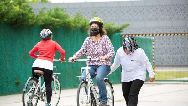 İstanbul Büyükşehir Belediyesi bisiklet sürüş eğitimi - Sputnik Türkiye