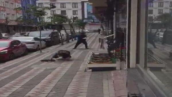 İstanbul Sultangazi'de karga saldırısı - Sputnik Türkiye