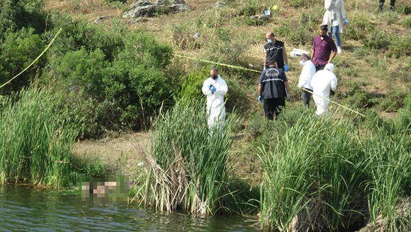 İstanbulMaltepe'de Başıbüyük Barajı'nın yanındaki yeşillik alanda boğazı kesilmiş bir kadına ait ceset bulundu. Cesedin dün kayıp ilanı verilen 37 yaşındakiŞahigül Buluş'a olduğunu tespit edildi. - Sputnik Türkiye