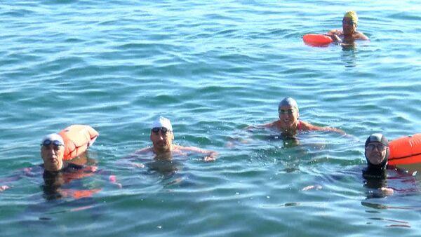Dünyada bir ilk: Rusya'dan Türkiye'ye sağlık çalışanlarına destek için yüzecekler - Sputnik Türkiye
