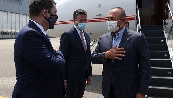 Dışişleri Bakanı Çavuşoğlu, Paris'e gitti - Sputnik Türkiye