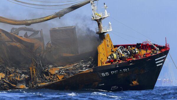 Sri Lanka'da bir kısmı batan kimyasal madde yüklü geminin kara kutusu kurtarıldı - Sputnik Türkiye
