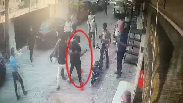 Torbalı'da belediye başkan yardımcısına satırlı saldırı girişimi - Sputnik Türkiye