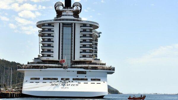 Marmaris'te demirleyen yolcu gemisi - Sputnik Türkiye