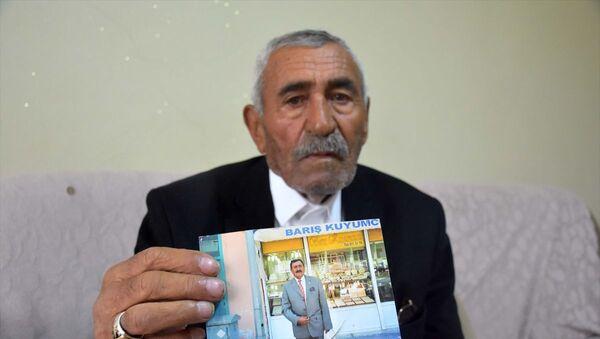 88 yıllık ömrünün 64 yılını mahalle muhtarı olarak geçiren Reşit Kardan vefat etti - Sputnik Türkiye