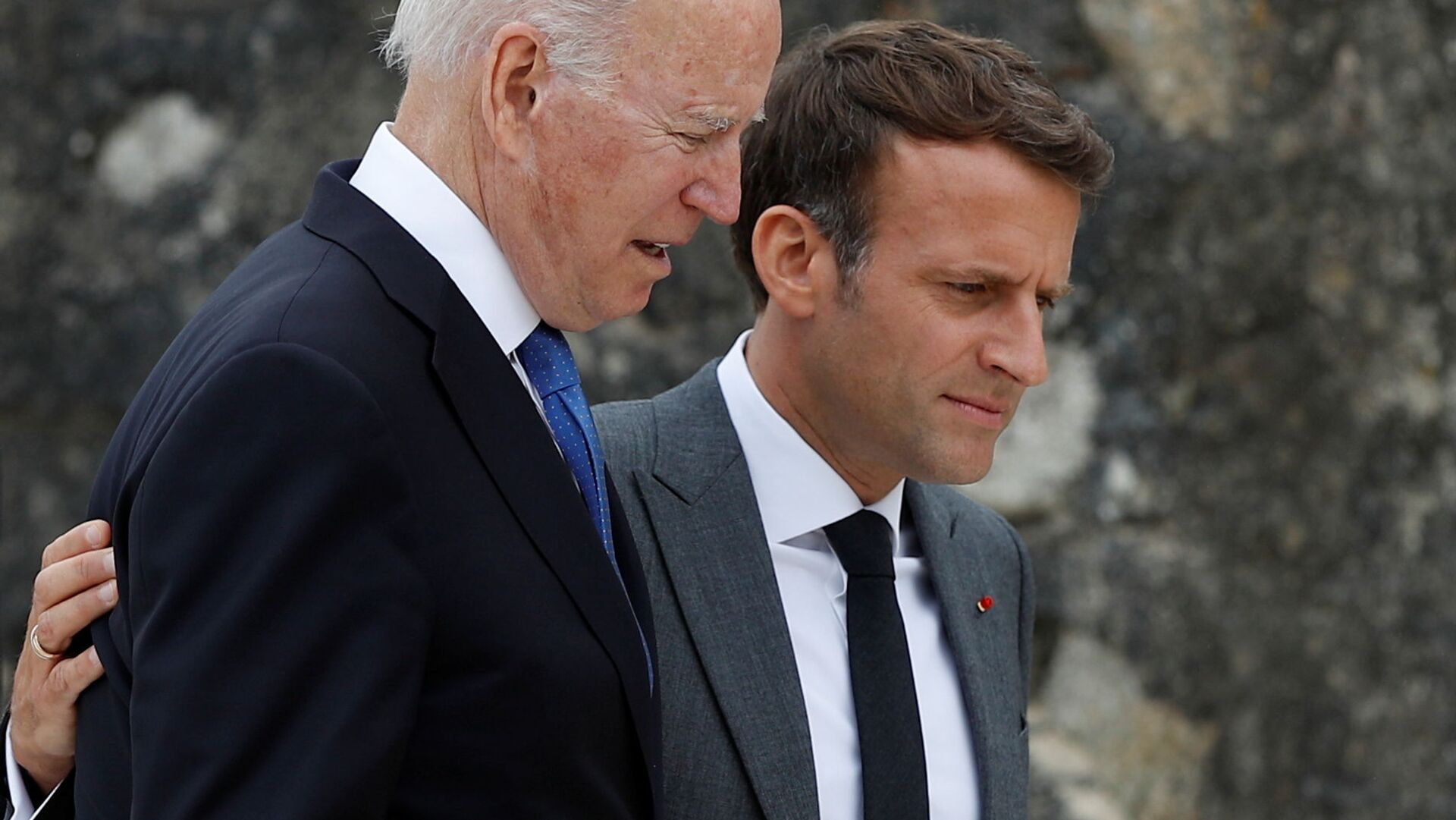 Joe Biden - Emmanuel Macron - Sputnik Türkiye, 1920, 20.09.2021