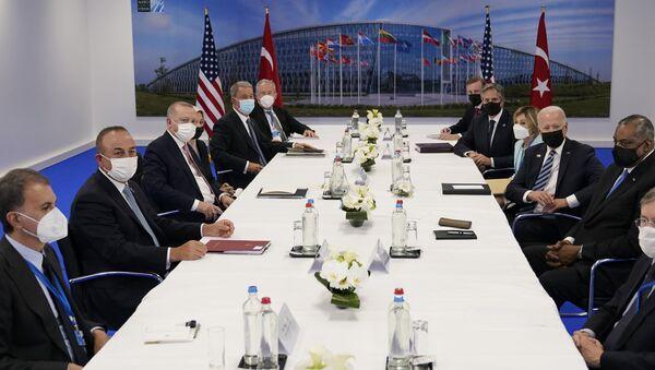 ABD Başkanı Joe Biden- Cumhurbaşkanı Recep Tayyip Erdoğan görüşmesi - Sputnik Türkiye