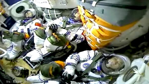 Çin, kurmakta olduğu uzay istasyonuna ilk astronot ekibini gönderdi - Sputnik Türkiye