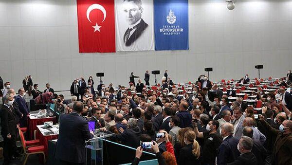 İBB Meclisinde gerginlik - Sputnik Türkiye