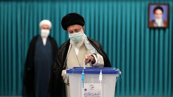 İran'da 13. Cumhurbaşkanlığı Seçimleri için oy verme işlemi başladı - Sputnik Türkiye