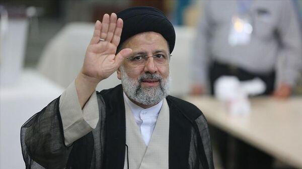 İran'da resmi olmayan sonuçlara göre cumhurbaşkanlığı seçimlerini Reisi kazandı - Sputnik Türkiye