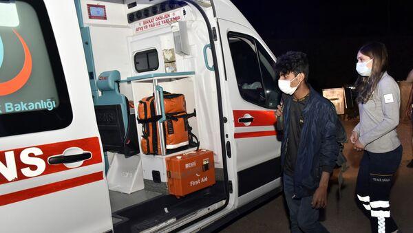 Koronavirüs'e yakalandığı hâlde Van'dan yola çıkan Afgan uyruklu genç, Gümüşhane'de karantinaya alındı - Sputnik Türkiye
