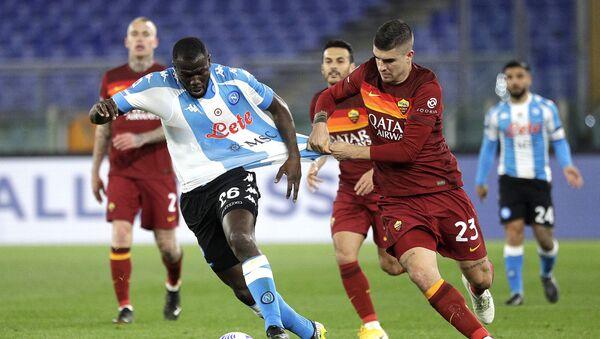 Senegalli futbolcu Kalidou Koulibaly'den ülkesine Kovid-19 yardımı - Sputnik Türkiye