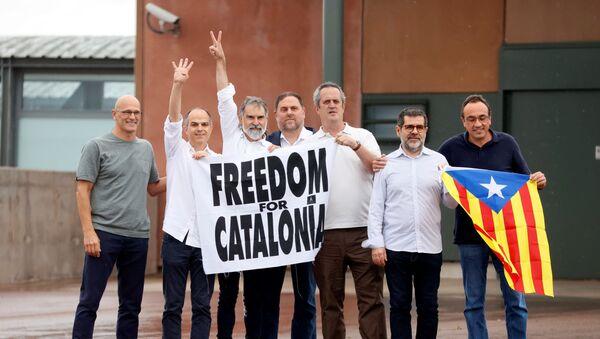 Katalan bağımsızlık ilanında rol almış hapisteki 9 siyasetçi tahliye oldu - Sputnik Türkiye