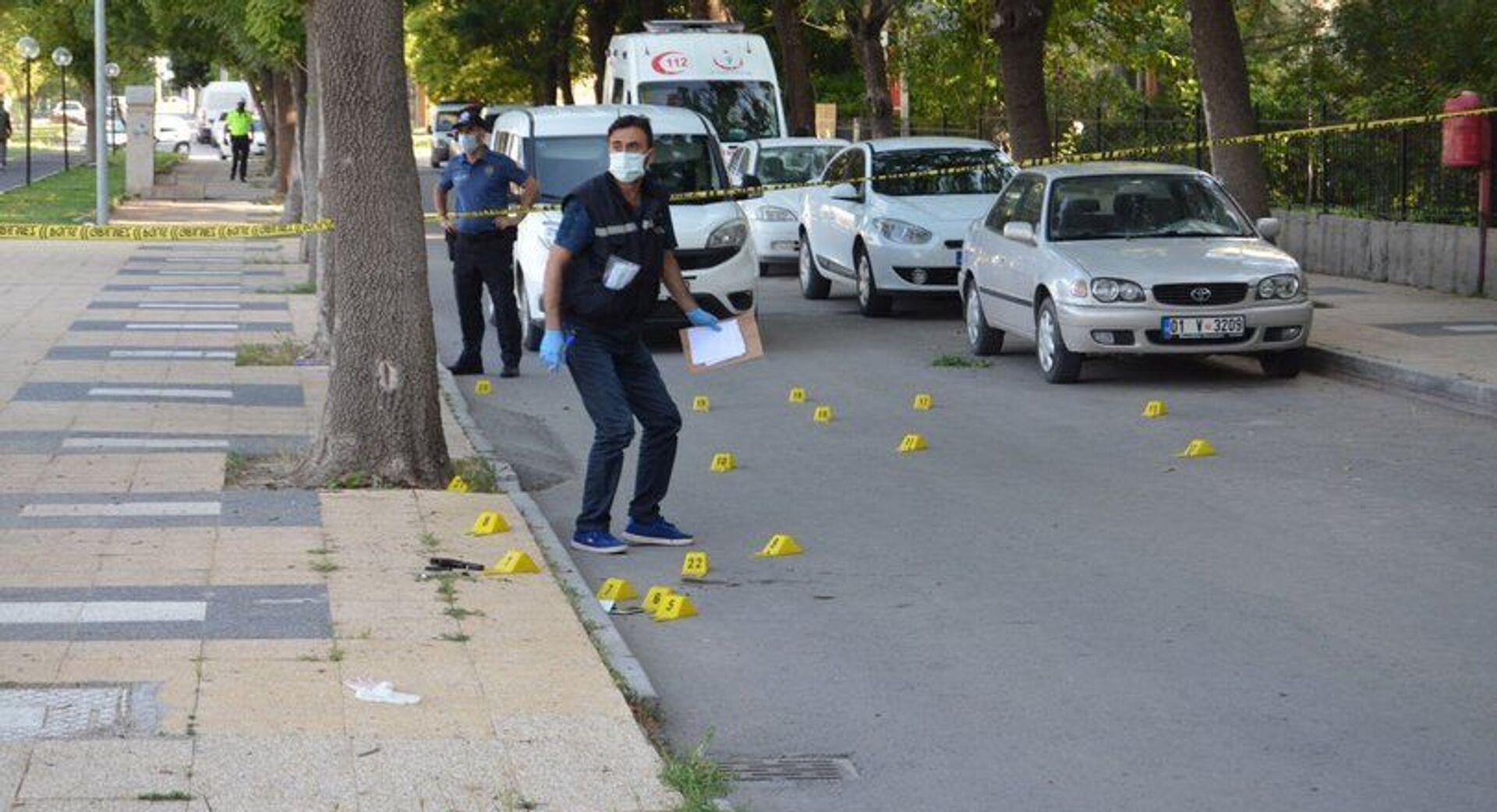 Eşini sokak ortasında öldüren adam, polisle çıkan çatışmada hayatını kaybetti - Sputnik Türkiye, 1920, 24.06.2021