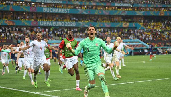 EURO 2020'de tarihi galibiyet: Penaltı atışlarında Fransa'yı 5-4 yenen İsviçre, çeyrek finale yükseldi - Sputnik Türkiye