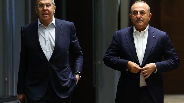 Rusya Dışişleri Bakanı Sergey Lavrov ile Dışişleri Bakanı Mevlüt Çavuşoğlu - Sputnik Türkiye