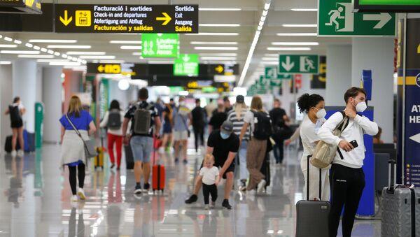 İspanya- Havalimanı- Koronavirüs - Sputnik Türkiye