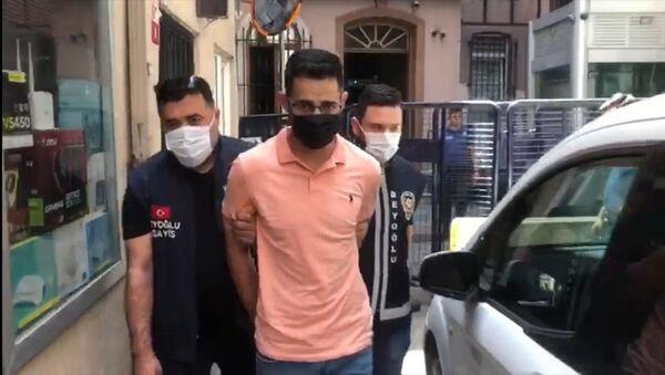 İstanbul'da bir restoranda burnunu sildiği Türk Lirası'yla hesap ödeyen ve o anları videoya çekerek sosyal medya hesabından paylaşan İsrail vatandaşı turist gözaltına alındı. - Sputnik Türkiye