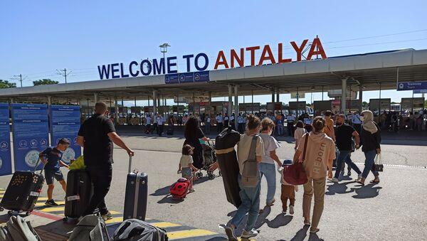 Rus turistler Antalya'da - Sputnik Türkiye