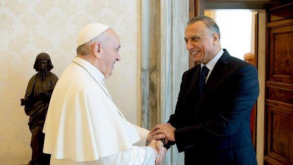 Irak Başbakanı el-Kazımi, Papa Francis ile bir araya geldi - Sputnik Türkiye