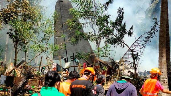 Filipinler'de düşen askeri uçak - Sputnik Türkiye
