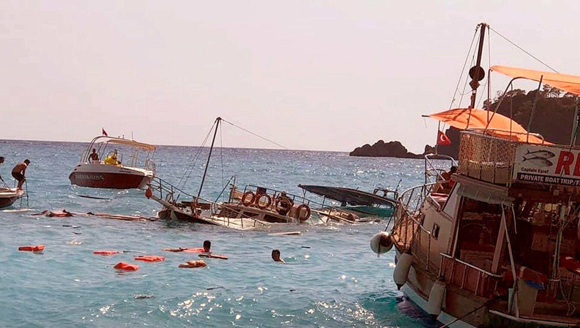 Ölüdeniz'de batan tekne - Sputnik Türkiye, 1920, 04.07.2021