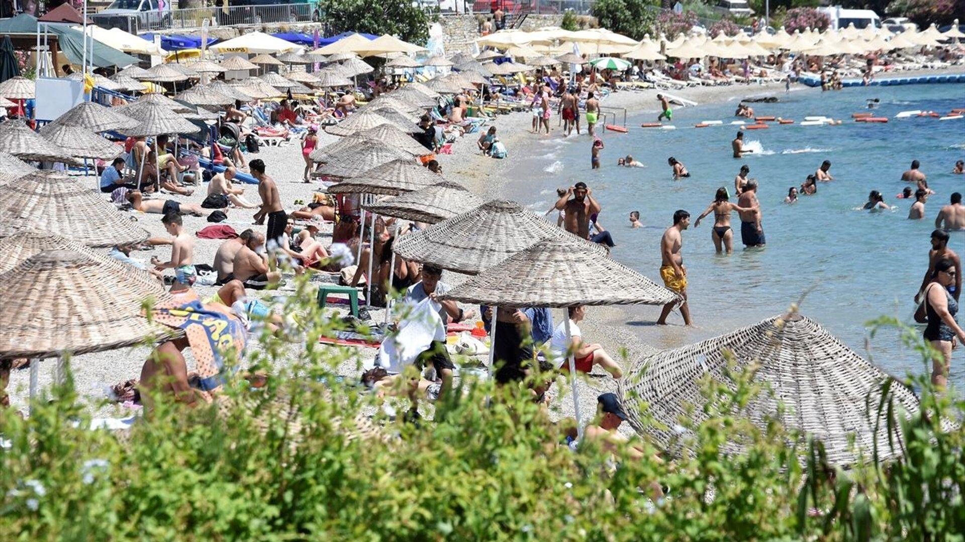 Sahil, kalabalık, deniz, plaj - Sputnik Türkiye, 1920, 05.07.2021
