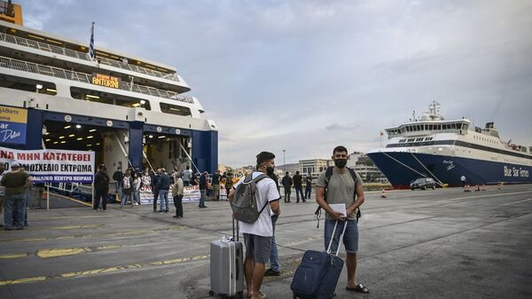 Yunanistan - feribot - maske - koronavirüs - Pire  - Sputnik Türkiye