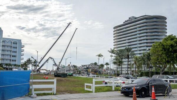 Miami'de çöken binada can kaybı 27'ye yükseldi - Sputnik Türkiye