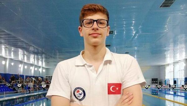 Milli yüzücü Batuhan Filiz, gençlerde Avrupa şampiyonu oldu - Sputnik Türkiye